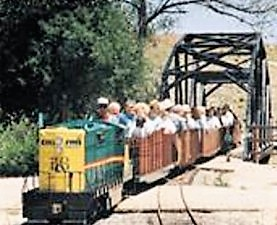 bell-gardens-farm-railroad