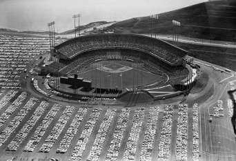 candlestick-park-opening-day-1960