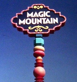 magic-mountain-sign-valencia