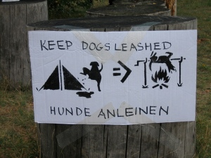keep-dogs-leashed-sign