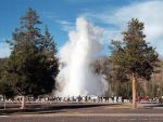 yellowstone-national-park-old-faithful