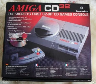 Commodore-Amiga-CD32-console