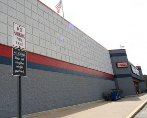 no-parking-sign-walmart