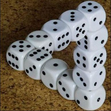 dice-optical_illusions