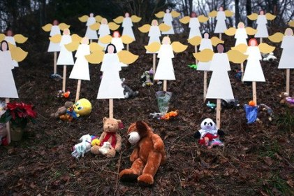 Sandy Hook - paper angels